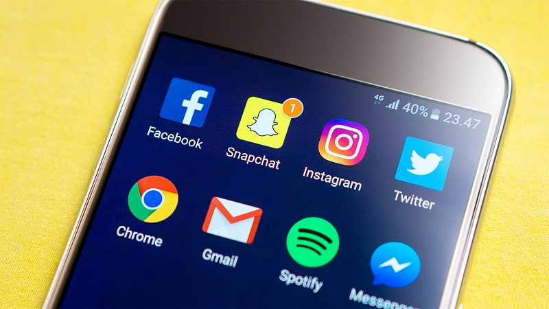 Snap Chat Surpasses Facebook and Instagram in US