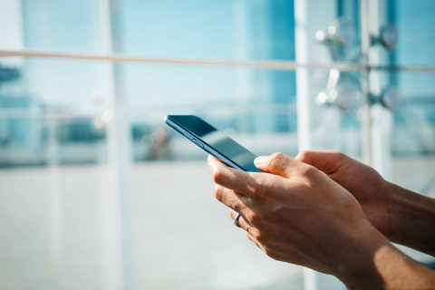 How to View Mobile Text Messages of Your Friend from Your Cell Phone