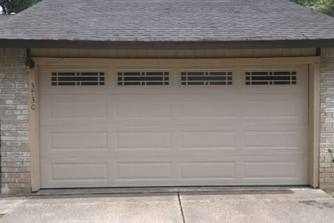 How to Deal with a Broken Garage Door? Who to Call to Get it fixed in No Time?